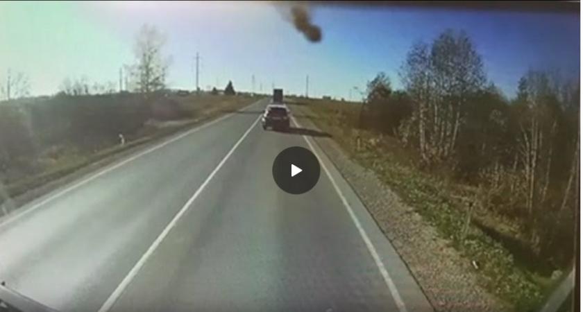 Появилось видео аварии с шестью машинами в Кирово-Чепецком районе