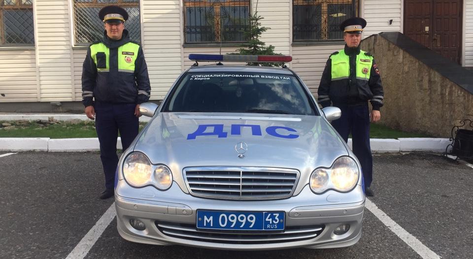 На байк-фестивале в Чепецком районе полицейские спасли ребенка из горящего авто