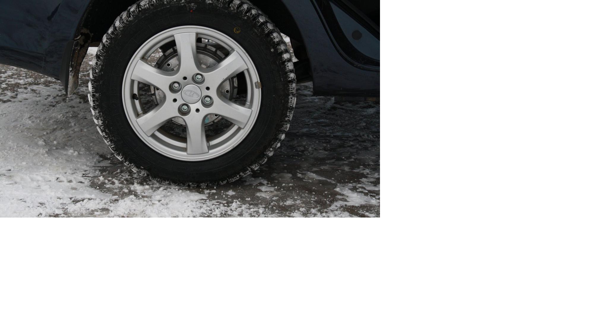 Снег и дождь: водителям Кирово-Чепецка напоминают о необходимости смены резины