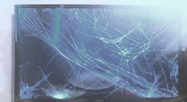 В Кирово-Чепецке мужчина разбил телевизор, чтобы не отдавать приставам