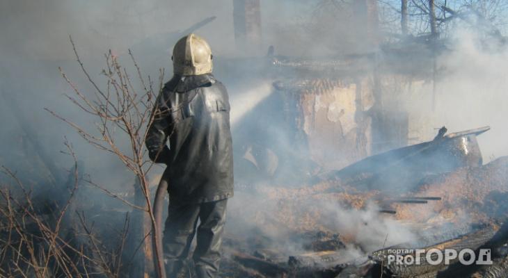 В Чепецке горел многоквартирный дом