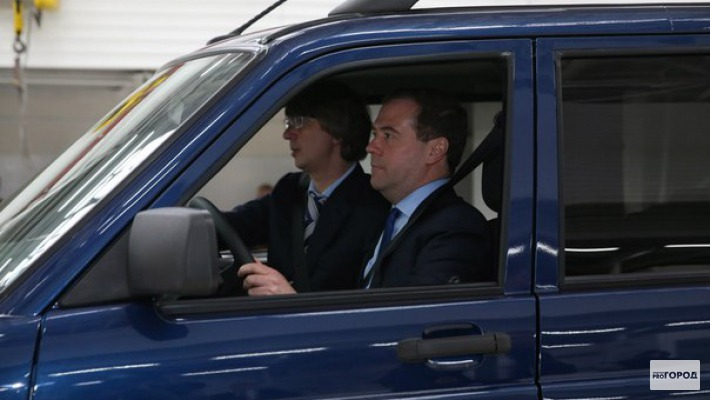 Чепецких водителей могут лишить прав, если они не пропустят кортеж Медведева