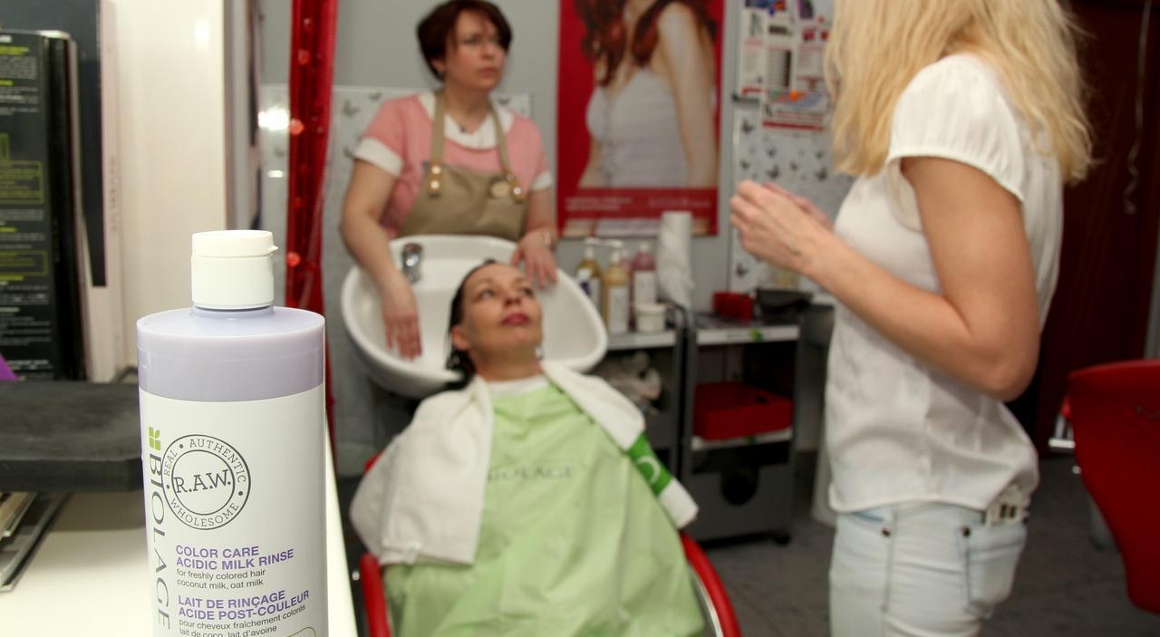 """Волосы """"как в рекламе"""": как добиться блестящих и шелковистых локонов"""