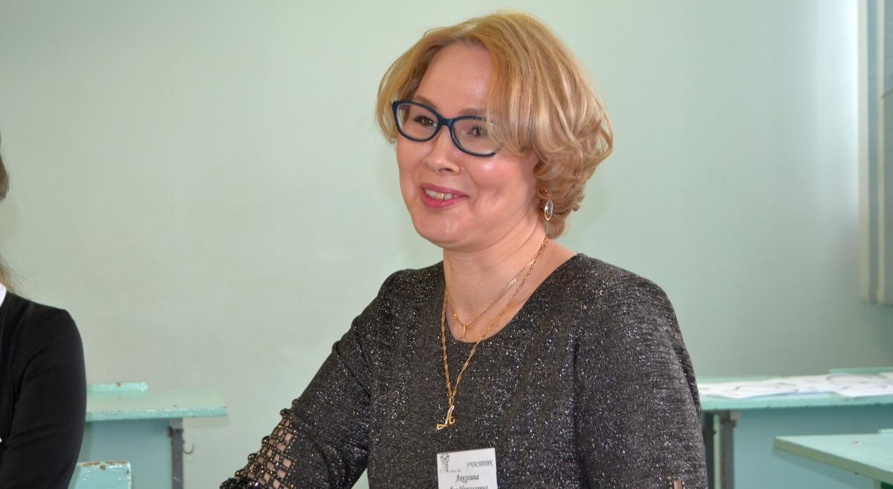 «Уверенность в пользе профессии зажигает меня изнутри»: лучший воспитатель Чепецка о своей работе