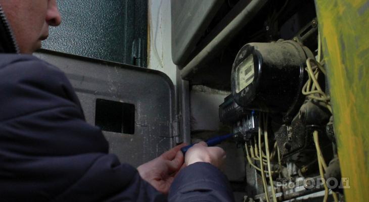 """Чепецких """"энерговампиров"""" лишили электричества за долги"""