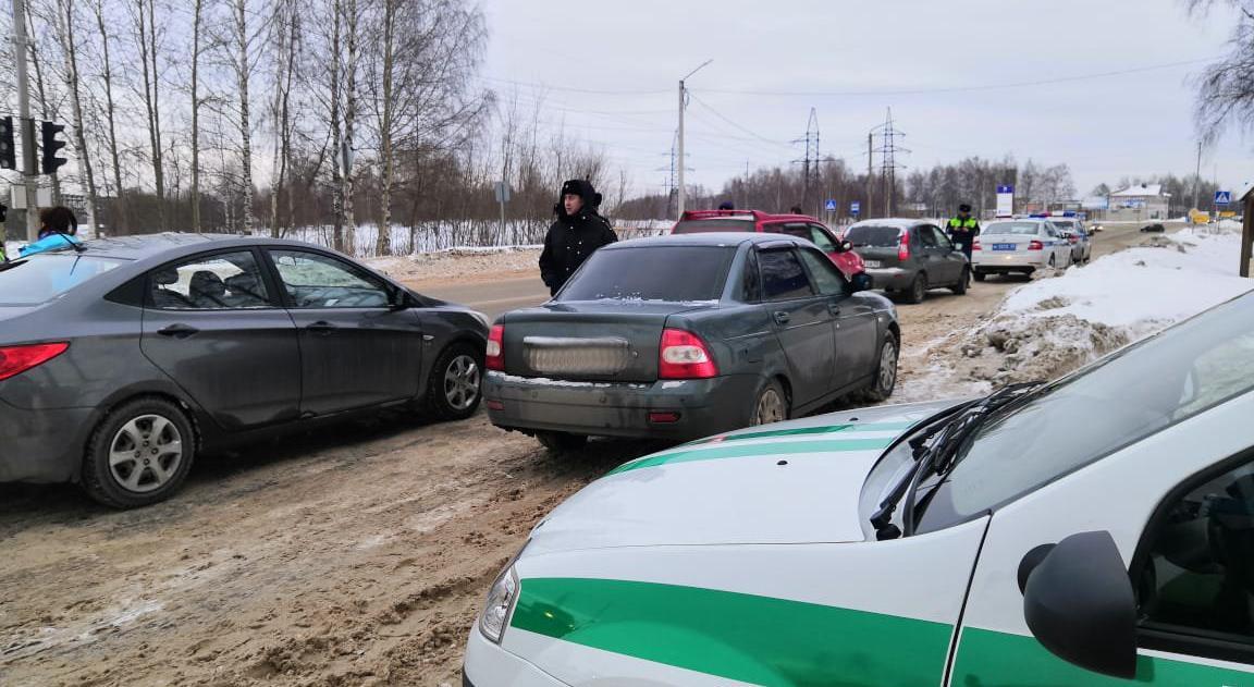 В Чепецке у должников по штрафам хотели отобрать машины
