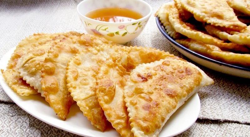 Чебуреки от 40 рублей за штуку: где в Чепецке недорого пообедать
