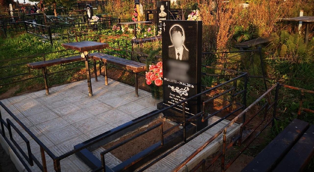 Кладбища закрыты: чепчане боятся не успеть с благоустройством могил к Троице