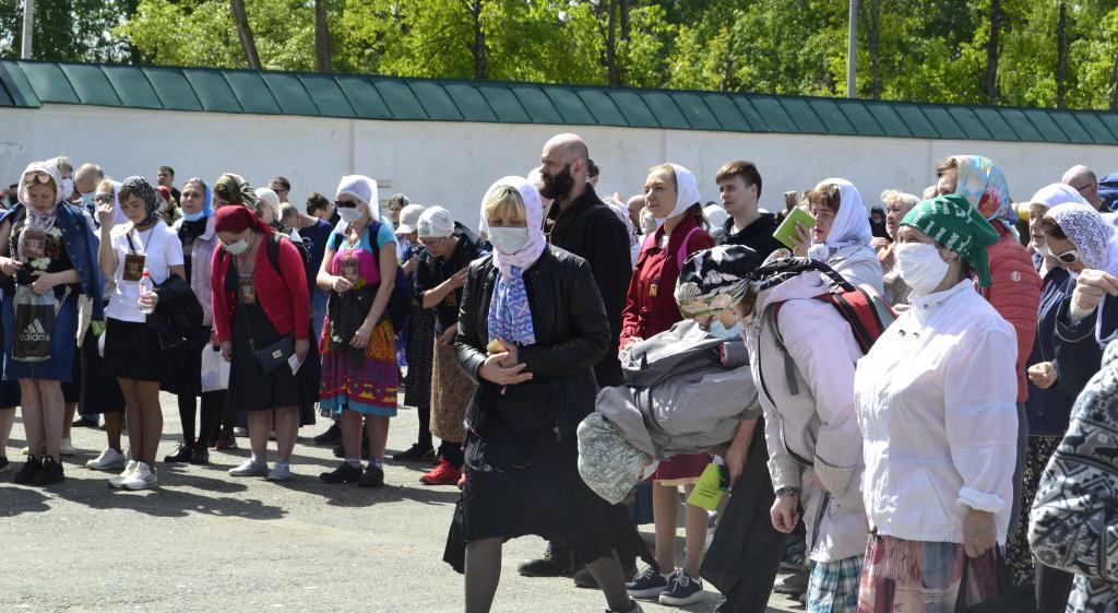 В Великорецкий крестный ход отправились тысячи паломников, несмотря на запрет