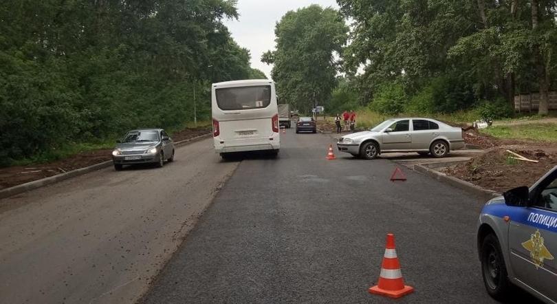В Чепецке при столкновении иномарок пострадала женщина-пассажир