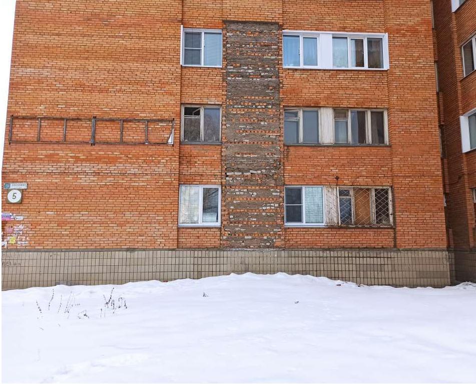 На ремонт фасада дома №5 по улице Сосновой требуется около 10 миллионов рублей