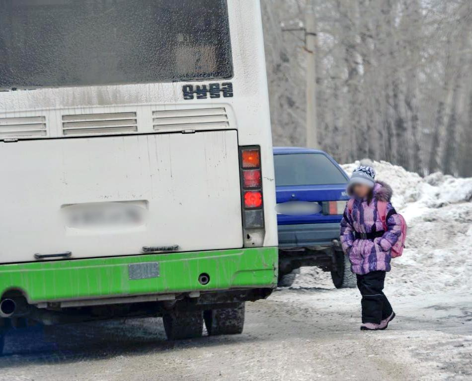Путин подписал закон о запрете высаживать детей из транспорта без билетов