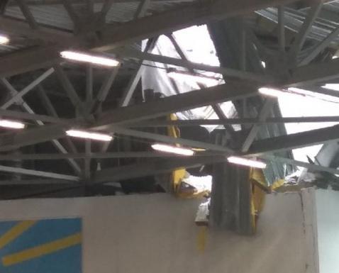 В Кирове во время соревнований обрушилась крыша нового легкоатлетического манежа