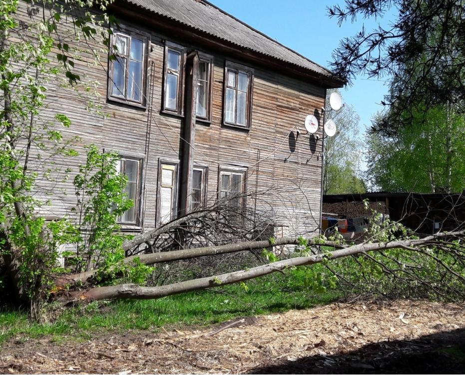 В северных районах Кировской области устраняют последствия урагана