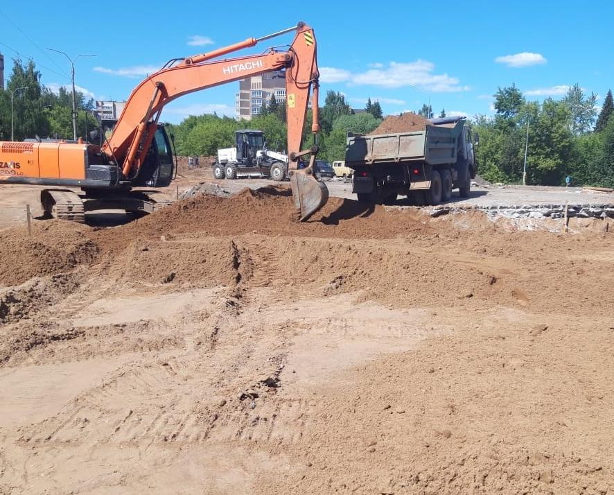 В Кирово-Чепецке продолжаются ремонтные работы на кольцевой развязке