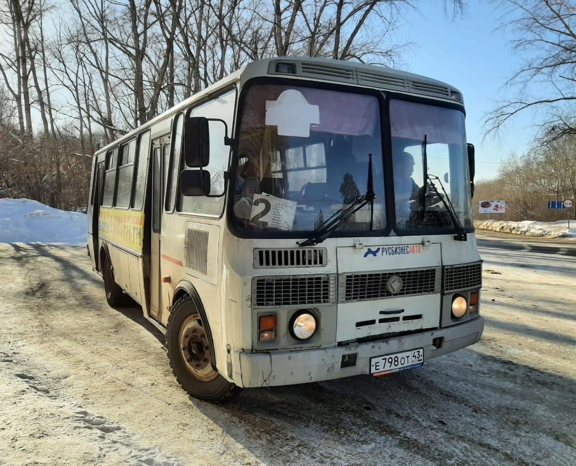 В Кирово-Чепецке угнали автобус, пока водитель ел