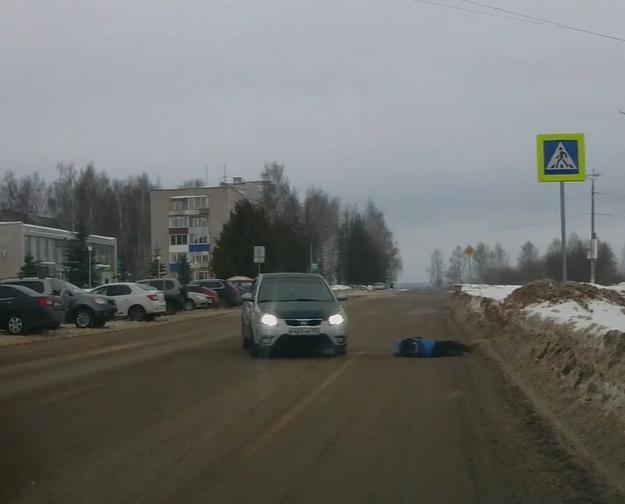 Видео: на пешеходном переходе у администрации Кирово-Чепецка сбили ребенка