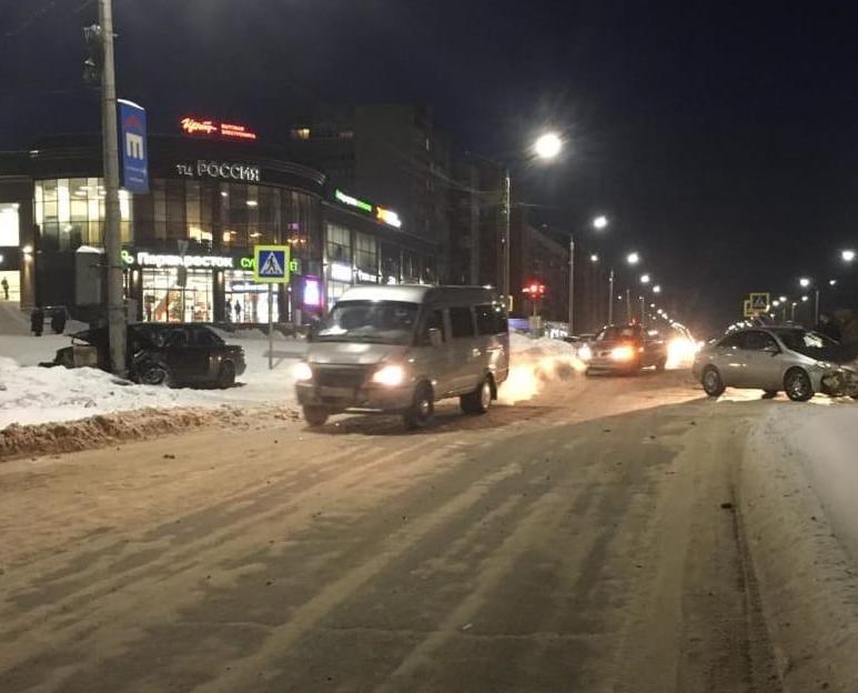 Количество пострадавших в лобовом ДТП в Чепецке увеличилось до 3 человек