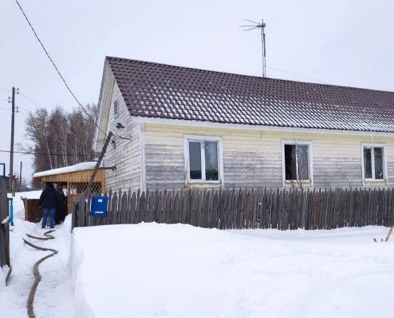 В Кирово-Чепецком районе соседи спасли от огня дом односельчанина