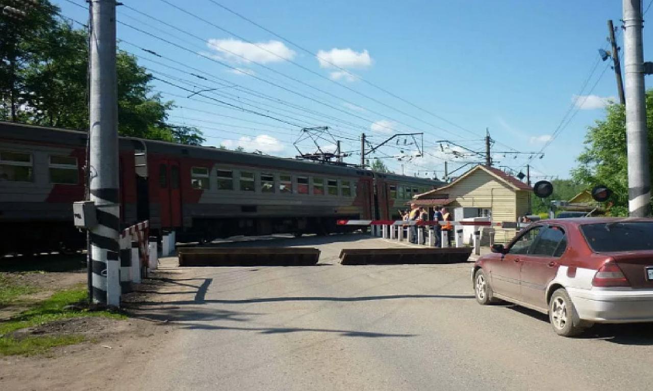 Нововятский железнодорожный переезд временно перекроют: даты и причины