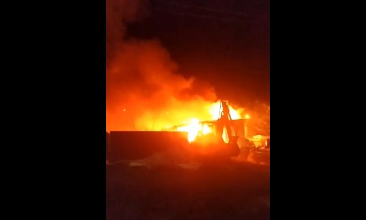 «Было слышно два взрыва»: при пожаре в Кстинино пострадал 40-летний мужчина