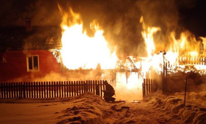 Семь детей из Кирово-Чепецкого района остались на улице из-за пожара