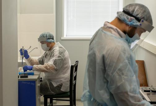 За сутки в Кировской области выявили 240 новых случаев заражения COVID-19