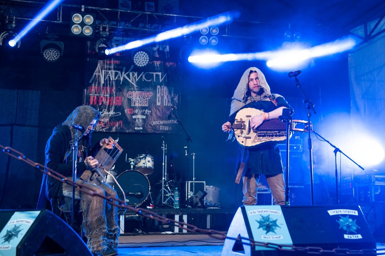 «Молодежь слушает рэп, потому что не хочет думать»: чепецкий рок-музыкант о трендах