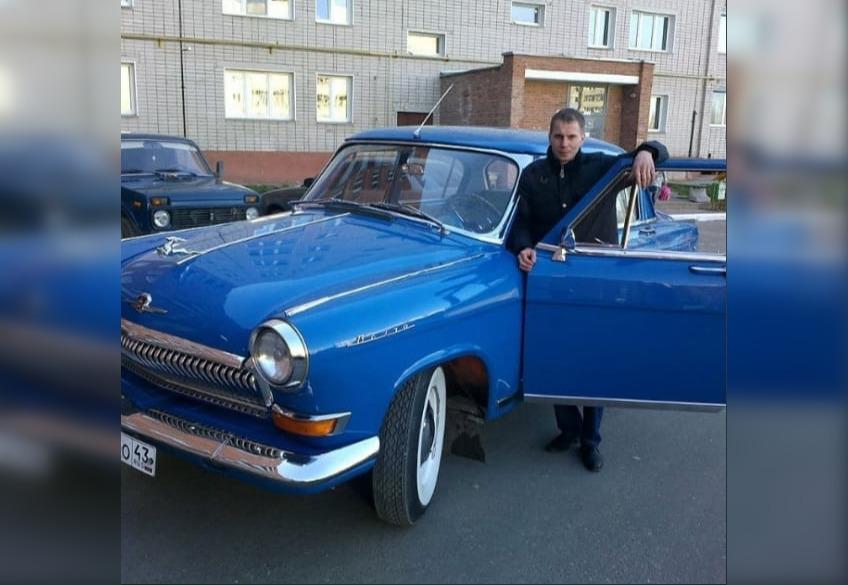 «Запчасти стоят в 16 раз дороже»: владелец ретроавтомобилей из Чепецка о своем увлечении