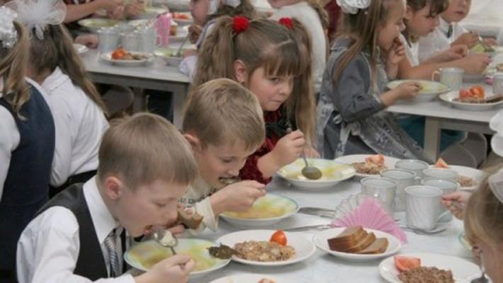 Стало известно, сколько потратят на еду для школьников Чепецка в 2021 году