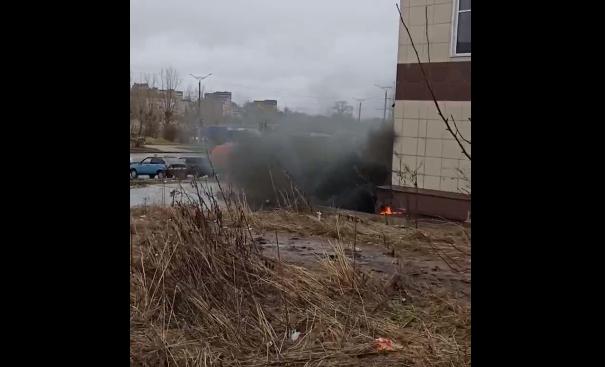 В Кирово-Чепецке начался пожар в недостроенном ТЦ