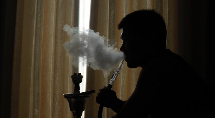 В России начал действовать запрет на продажу кальянов и табачных стиков в интернете