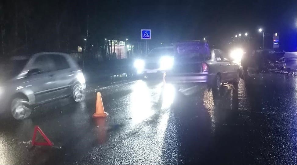 В Чепецке водитель «десятки» устроил несколько ДТП