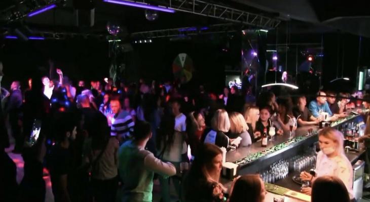 В Кировской области разрешили работу кафе и клубов до 6 утра