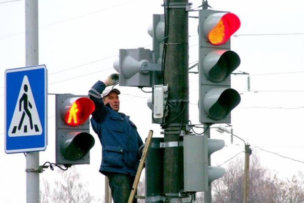 На пересечении Заводской и Пожарного переулка появились новые светофоры