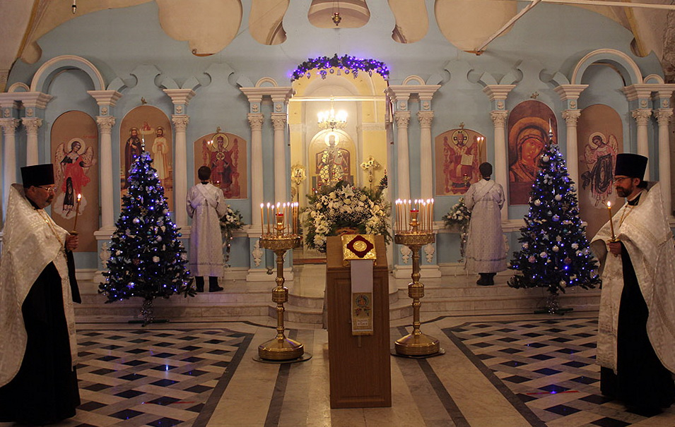 В храмах Кировской области продолжаются праздничные богослужения