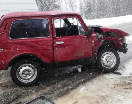 В Чепецком районе столкнулись три машины: травмированы шесть человек