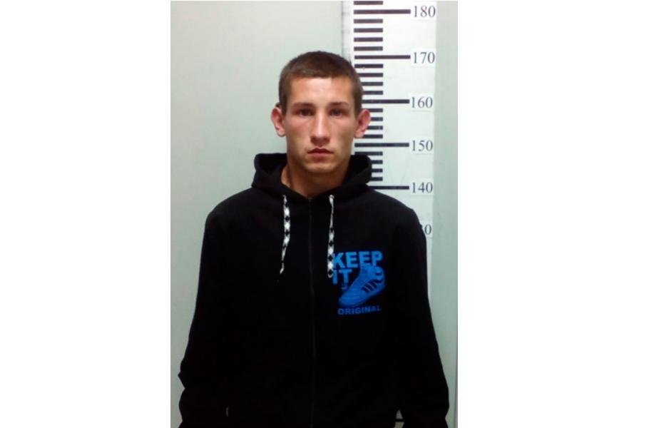 В Кировской области разыскивают парня, подозреваемого в действиях сексуального характера
