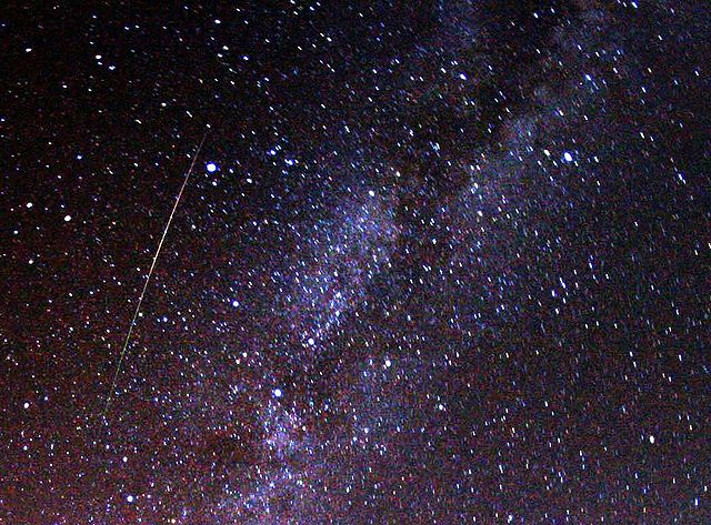 Жители Кирово-Чепецка смогут увидеть самый красивый метеорный поток года