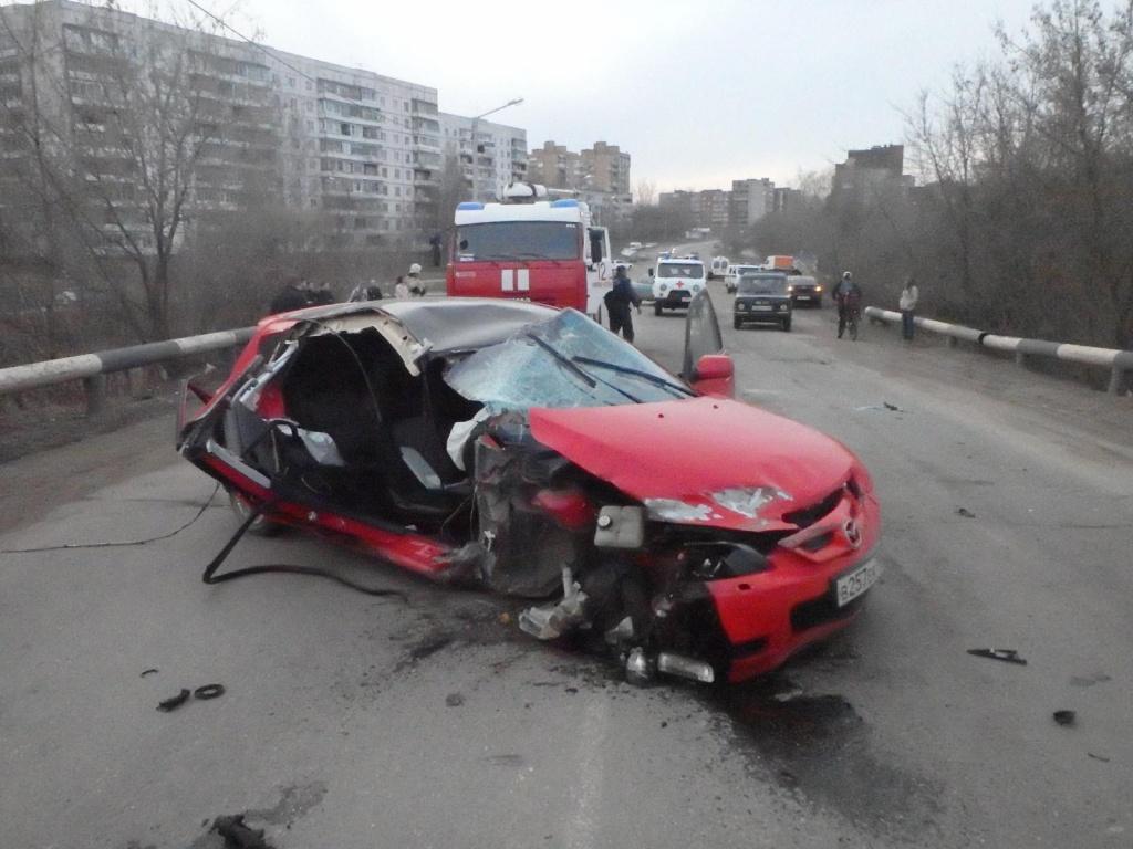 """В Чепецке """"Mazda"""" врезалась в ограждение: появилась новая информация о ДТП"""