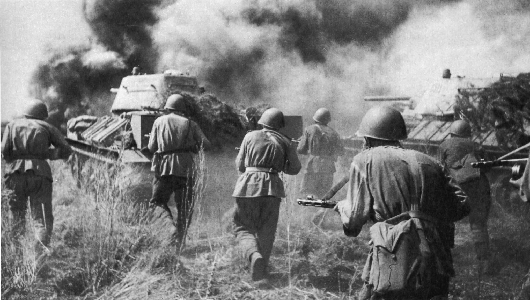 «Немцы толкали одного, а падали десять»: кировчане рассказали о родных на войне