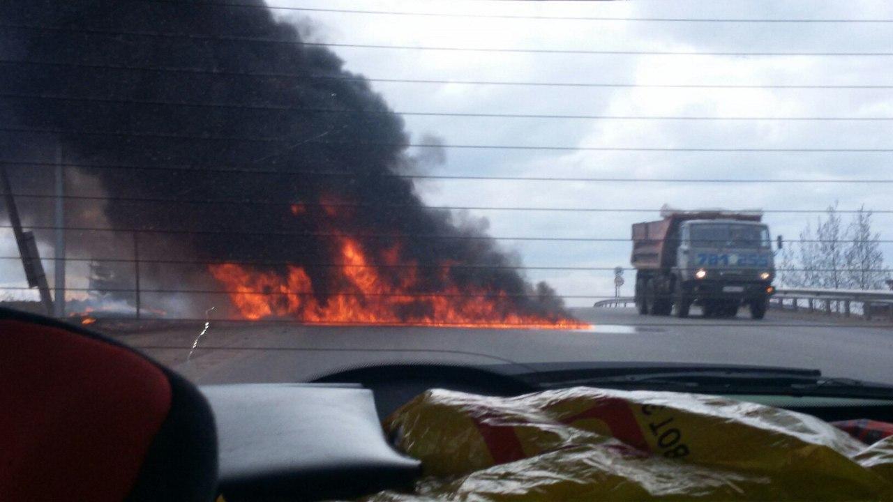 В Чепецком районе на трассе сгорел большегруз