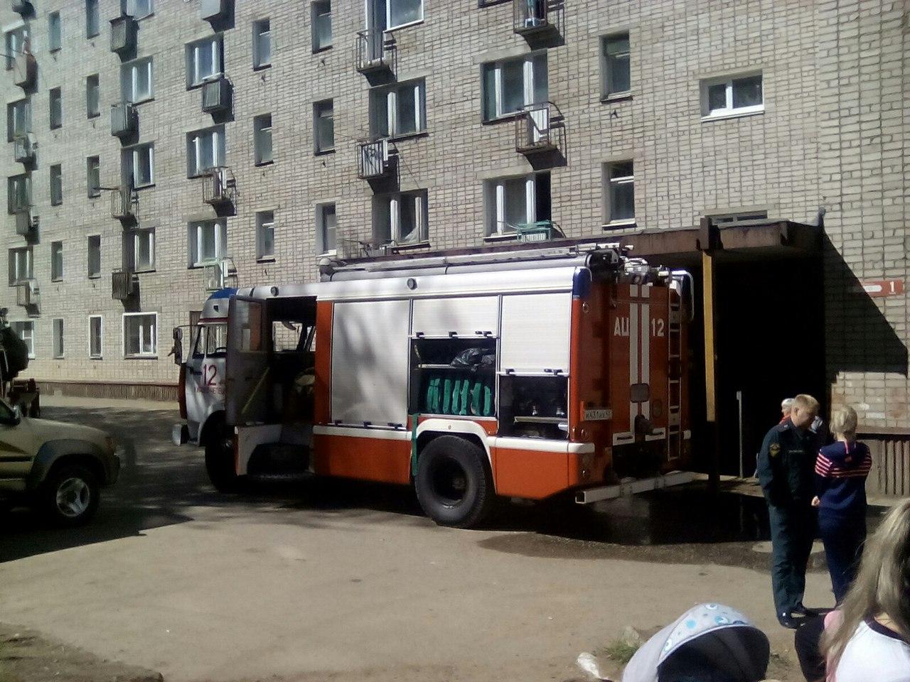 В Чепецке в квартире многоэтажного дома произошел пожар
