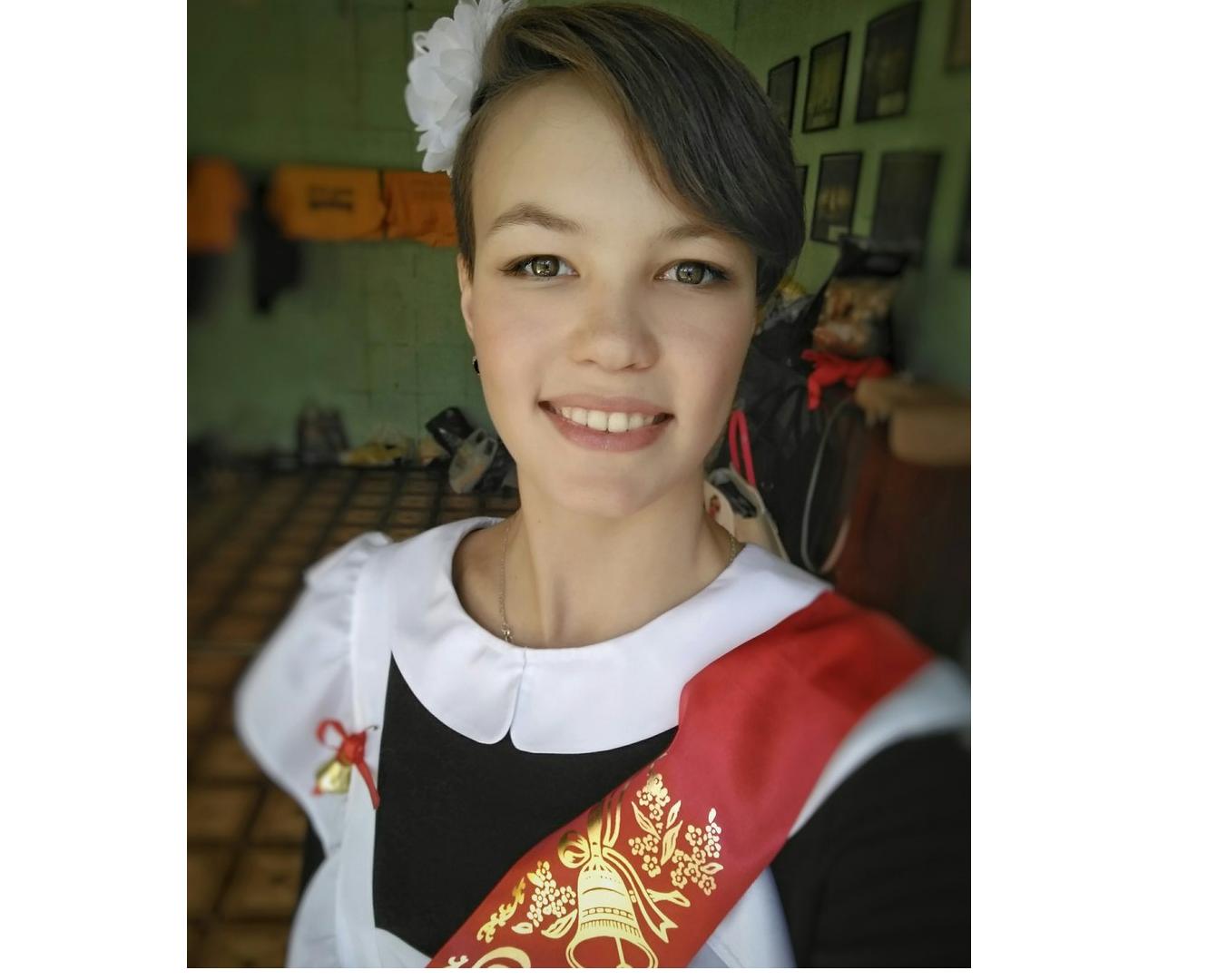 """Выпускница из Чепецка: """"Последний звонок - начало взрослой жизни"""""""