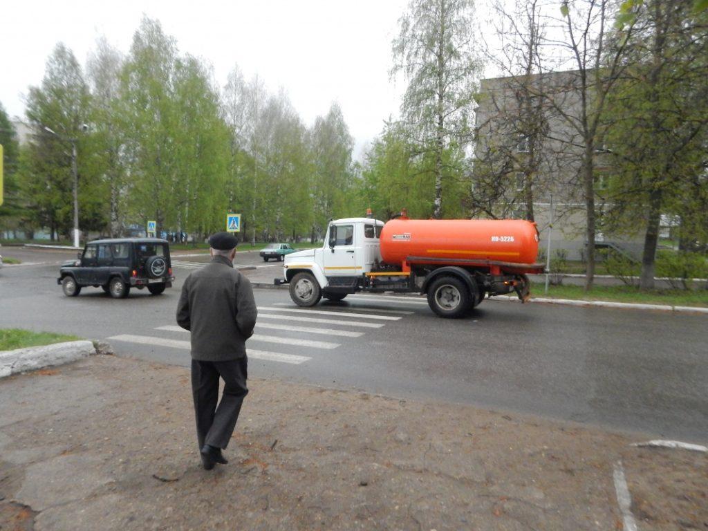 На дороги Чепецка не могут нанести новую разметку