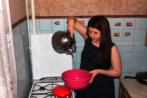 Названа дата, когда в домах чепчан появится горячая вода