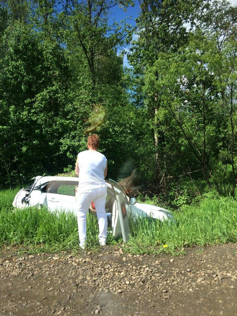 В Чепецком районе фура влетела в иномарку: пострадала пассажирка легковушки