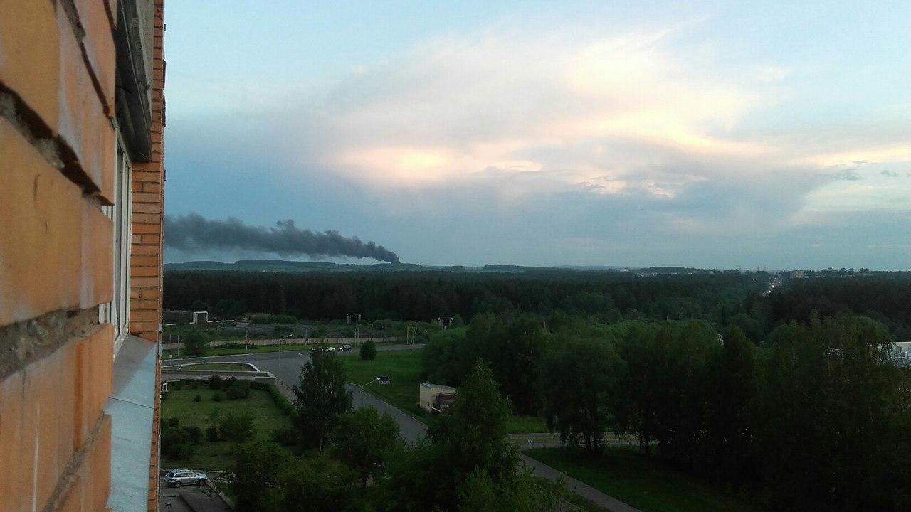 Столб черного дыма напугал жителей Чепецкого района