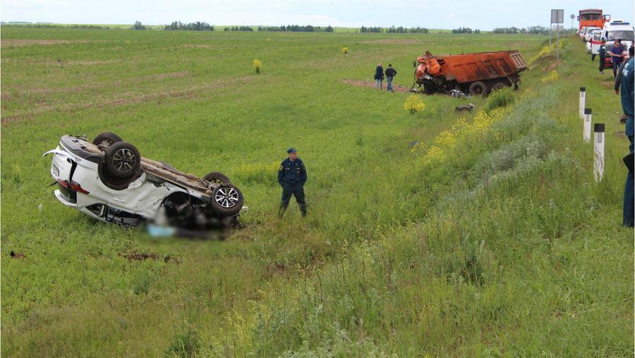В Кировской области в страшной аварии погибли супруги
