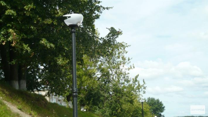 На чепецких улицах установят «умные» фонари